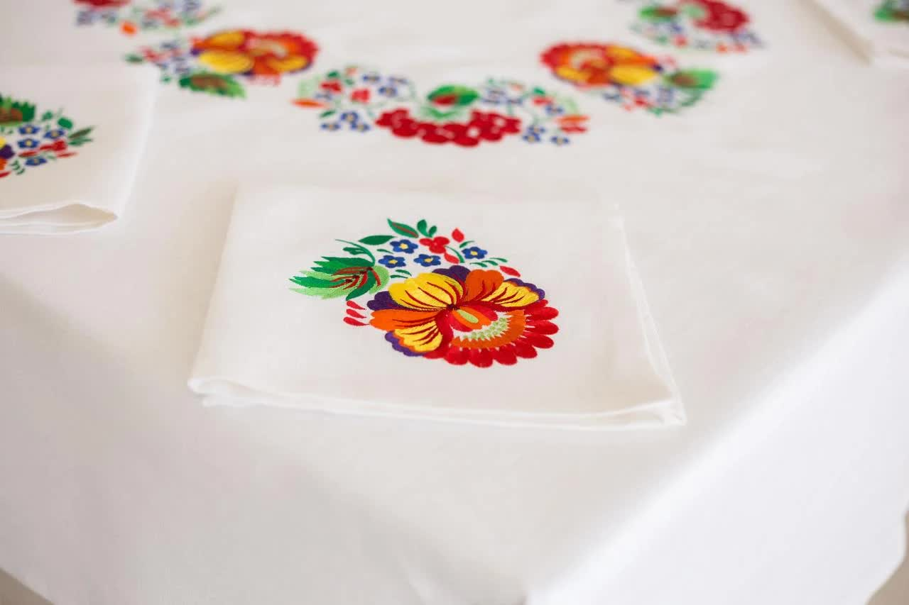 tablecloths in the interior of the living room