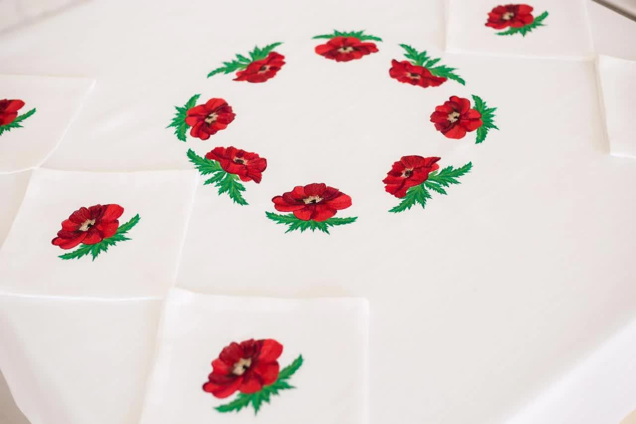 tablecloth poppies to buy