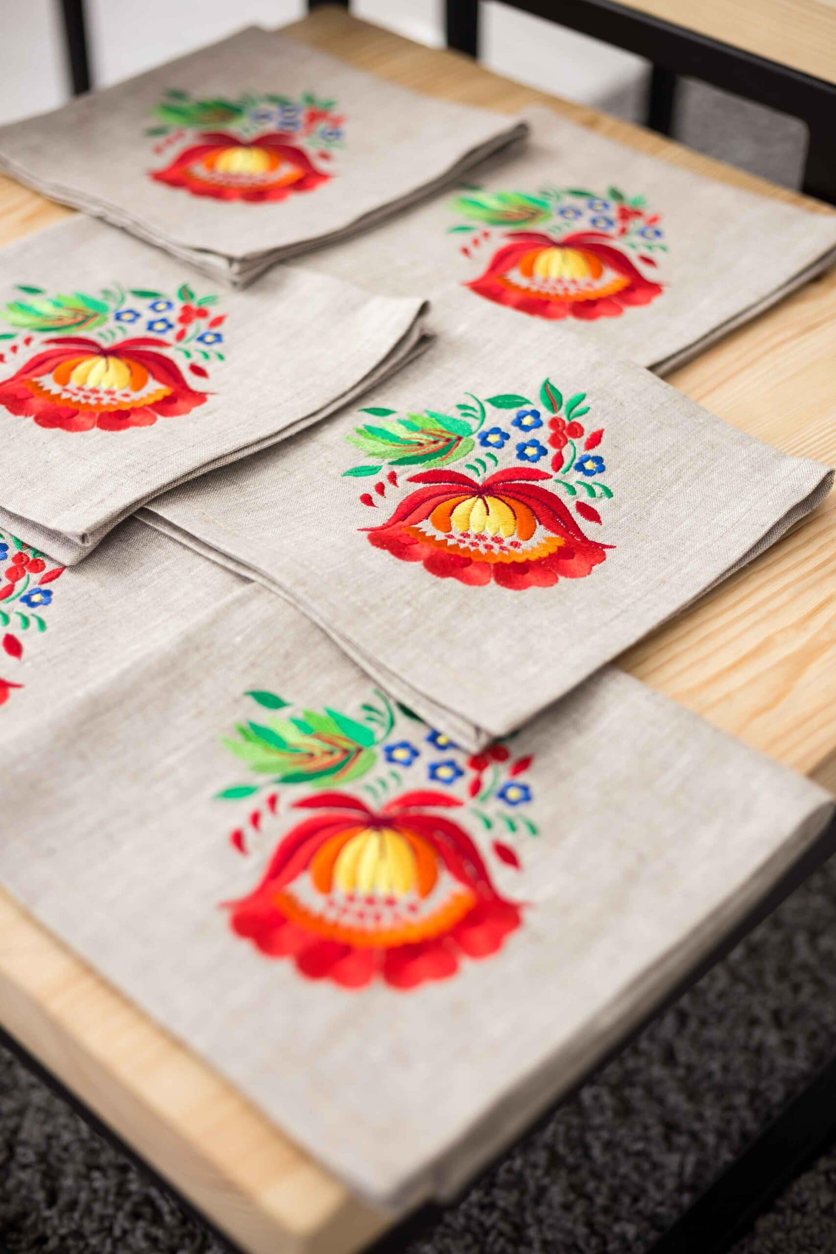 decorative tablecloths with cross stitch