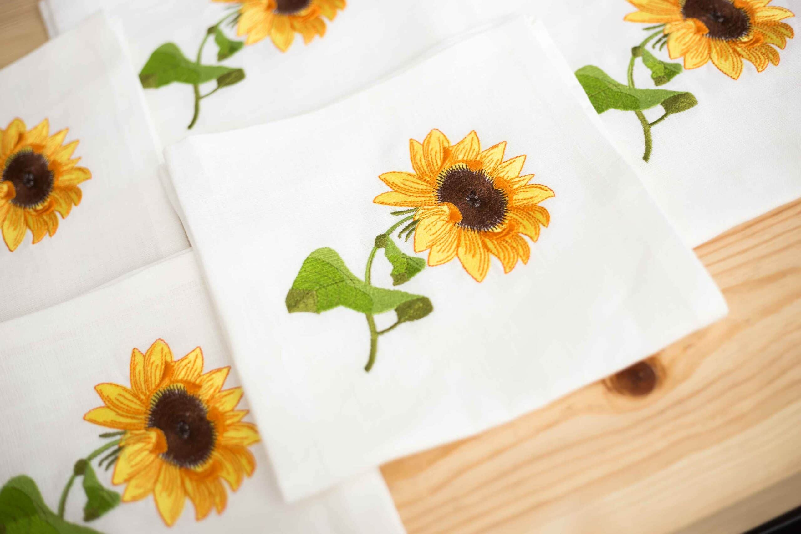 napkins with machine embroidery