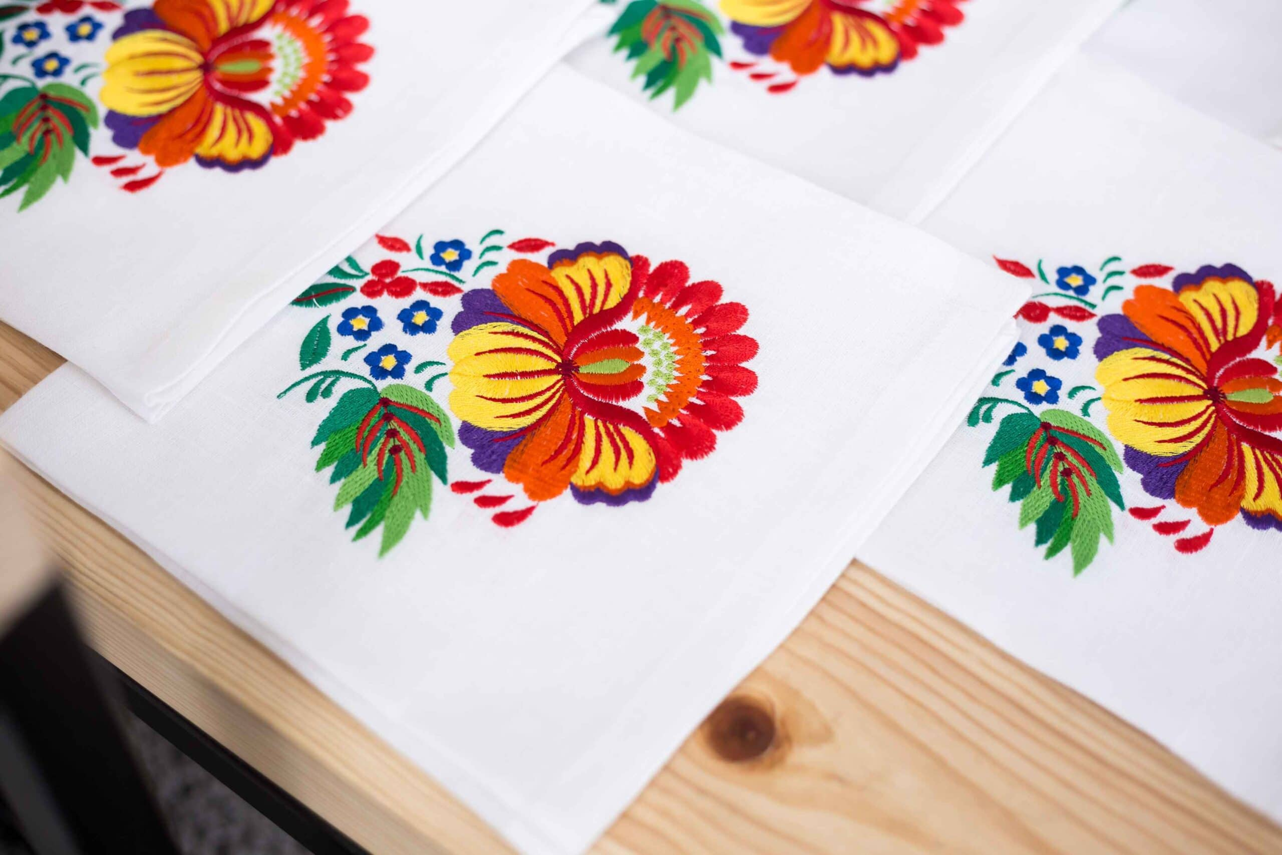 buy a napkin with embroidery