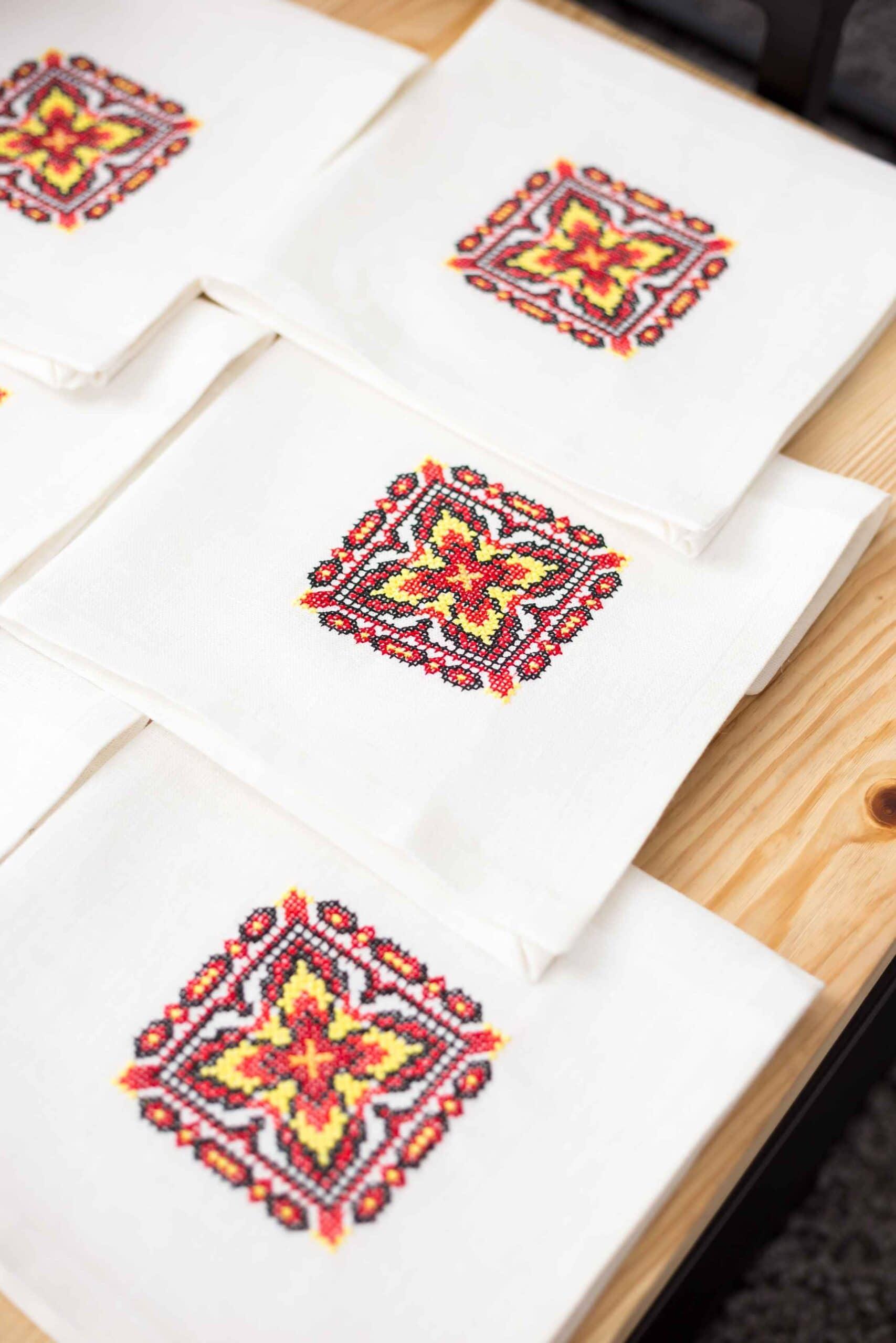 satin stitch napkins