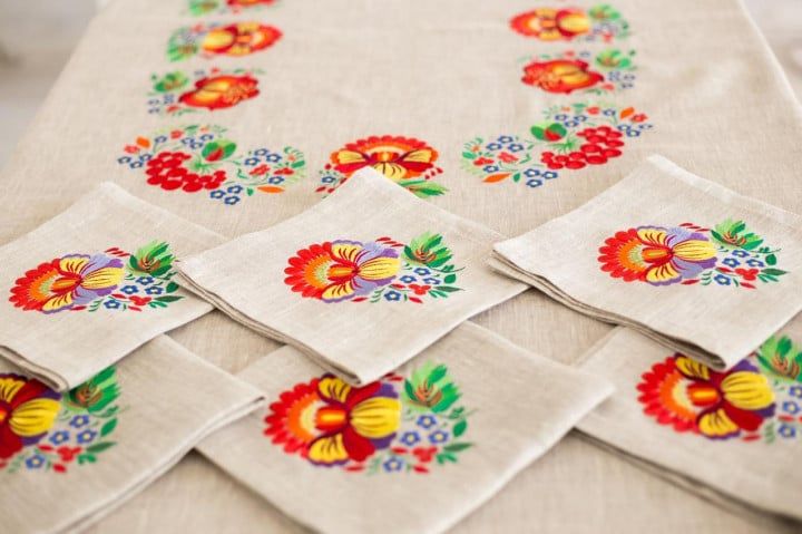 tablecloth on the table