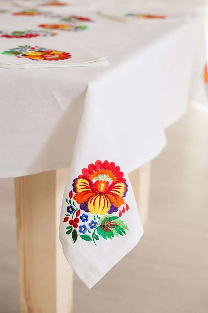 tablecloth in the interior