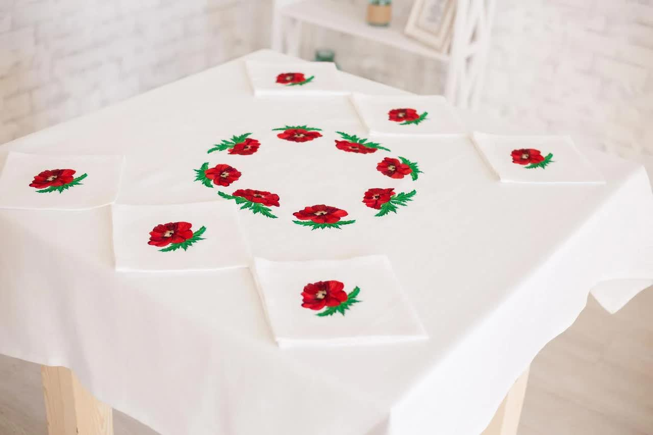 linen tablecloth on a round table