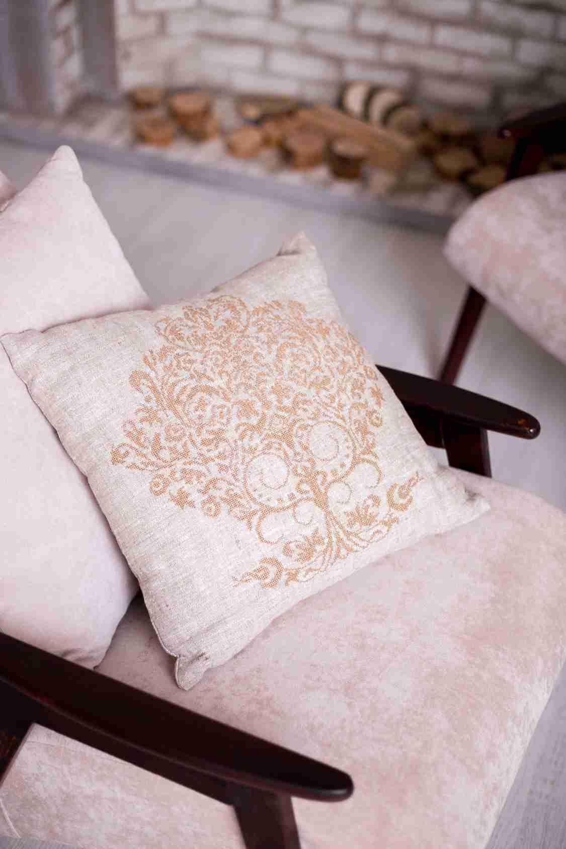 подушка с вышивкой купить