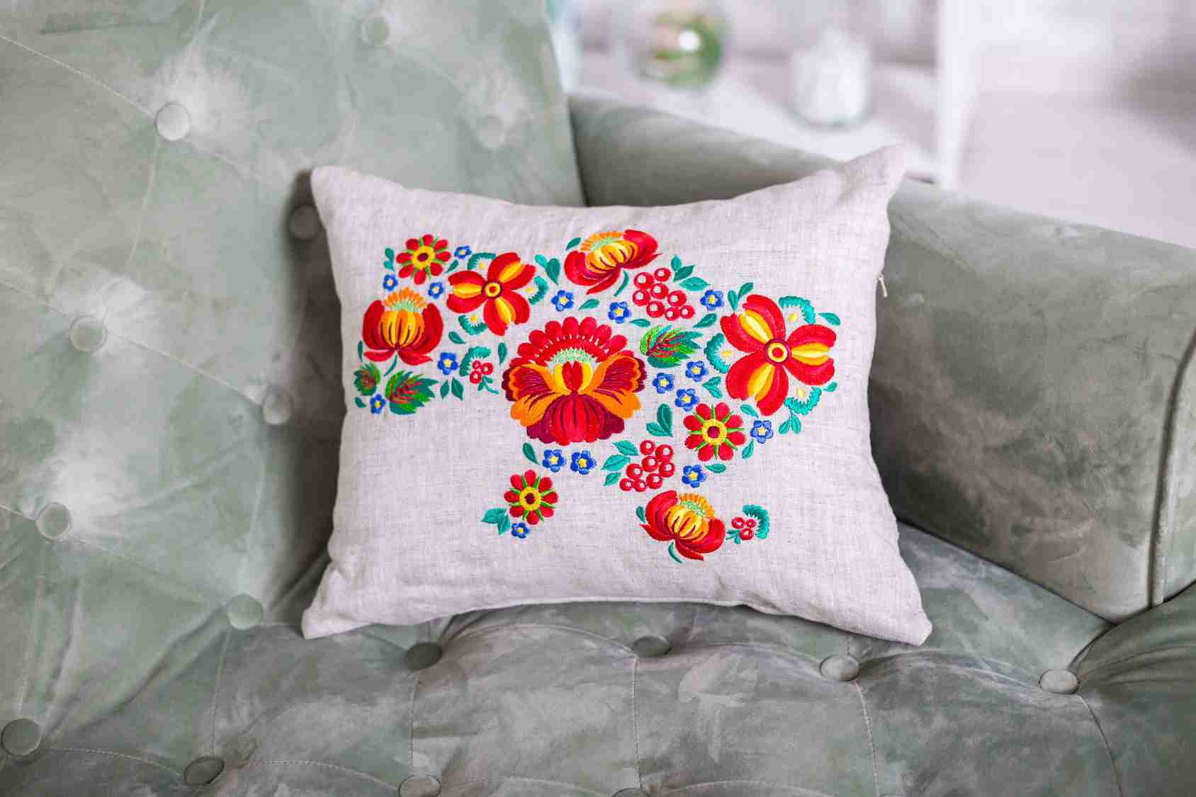 pillow thread embroidery