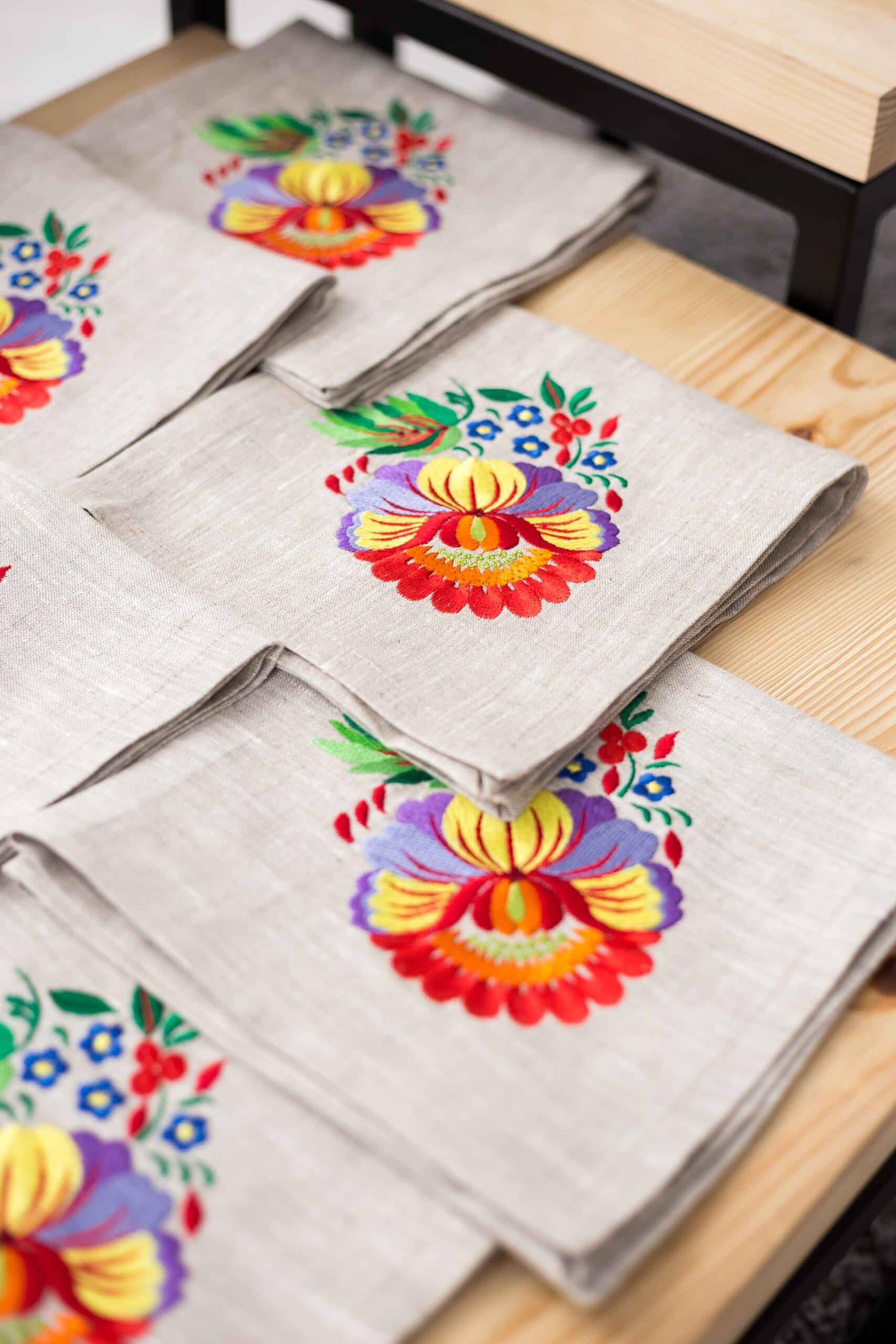 napkins with satin stitch embroidery