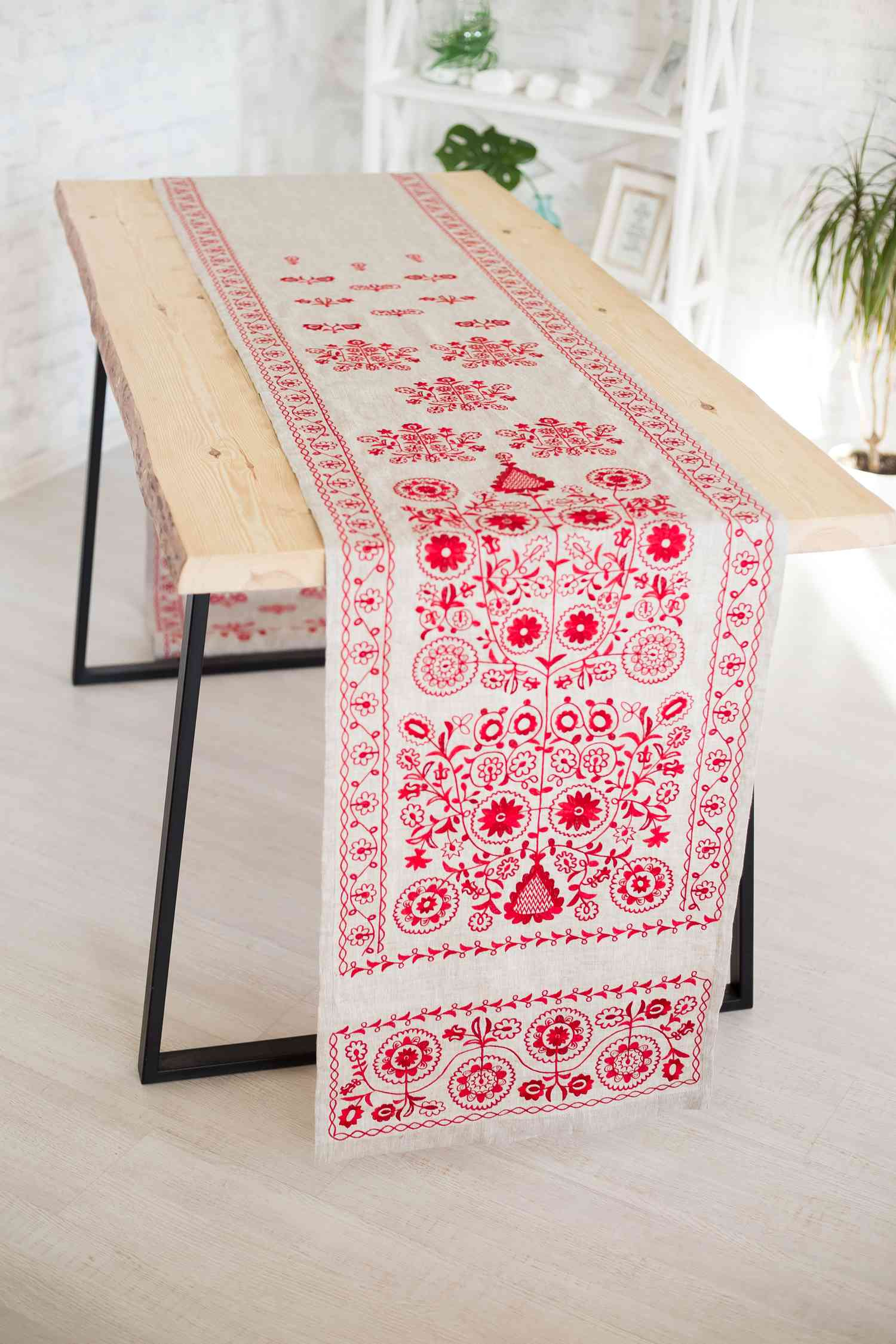Ukrainian towels embroidery
