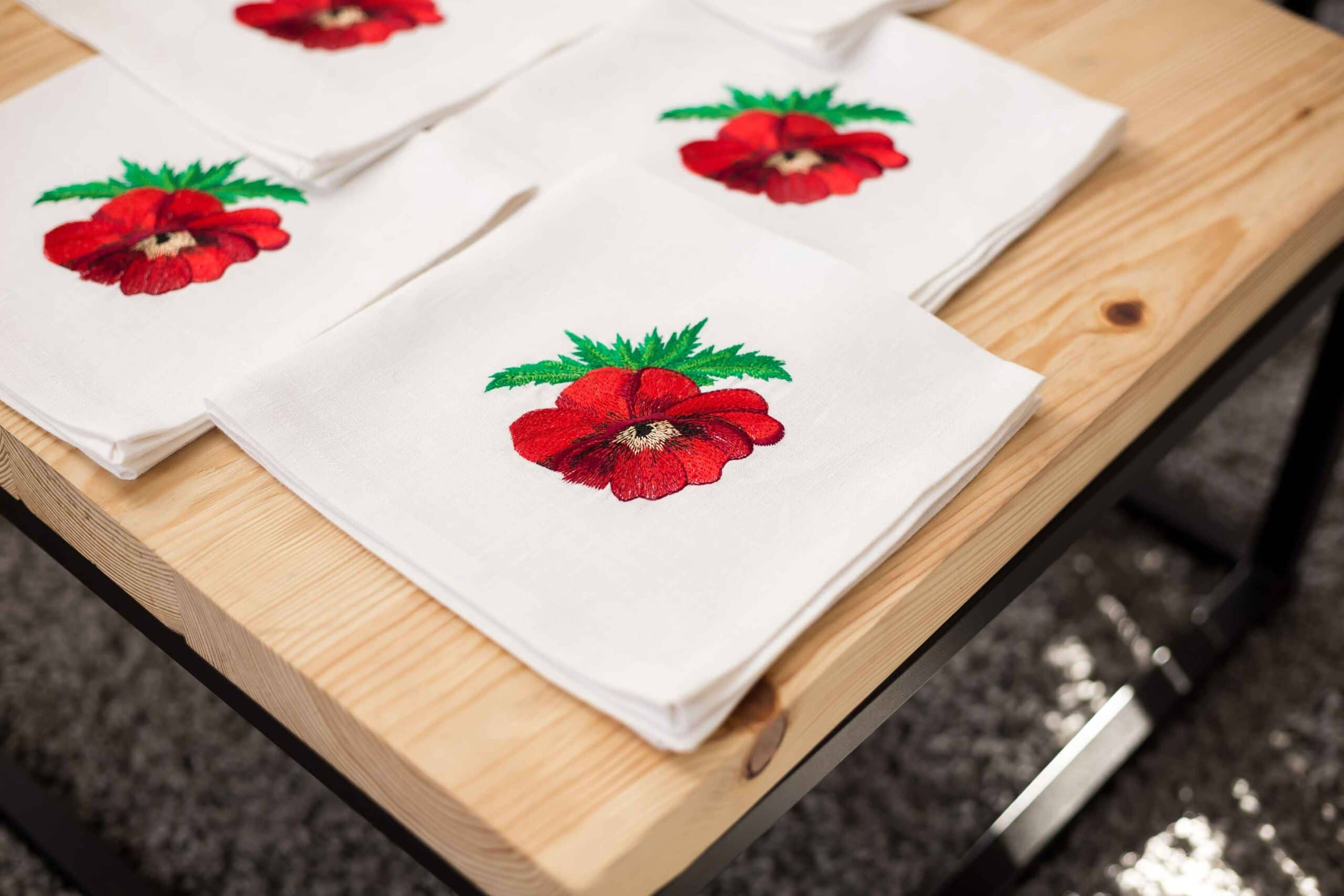 napkin embroidered with poppies