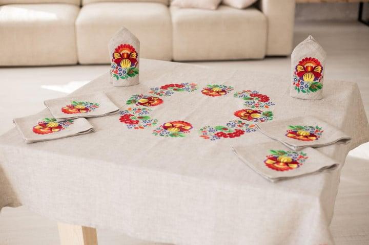 стеклянный стол скатерть