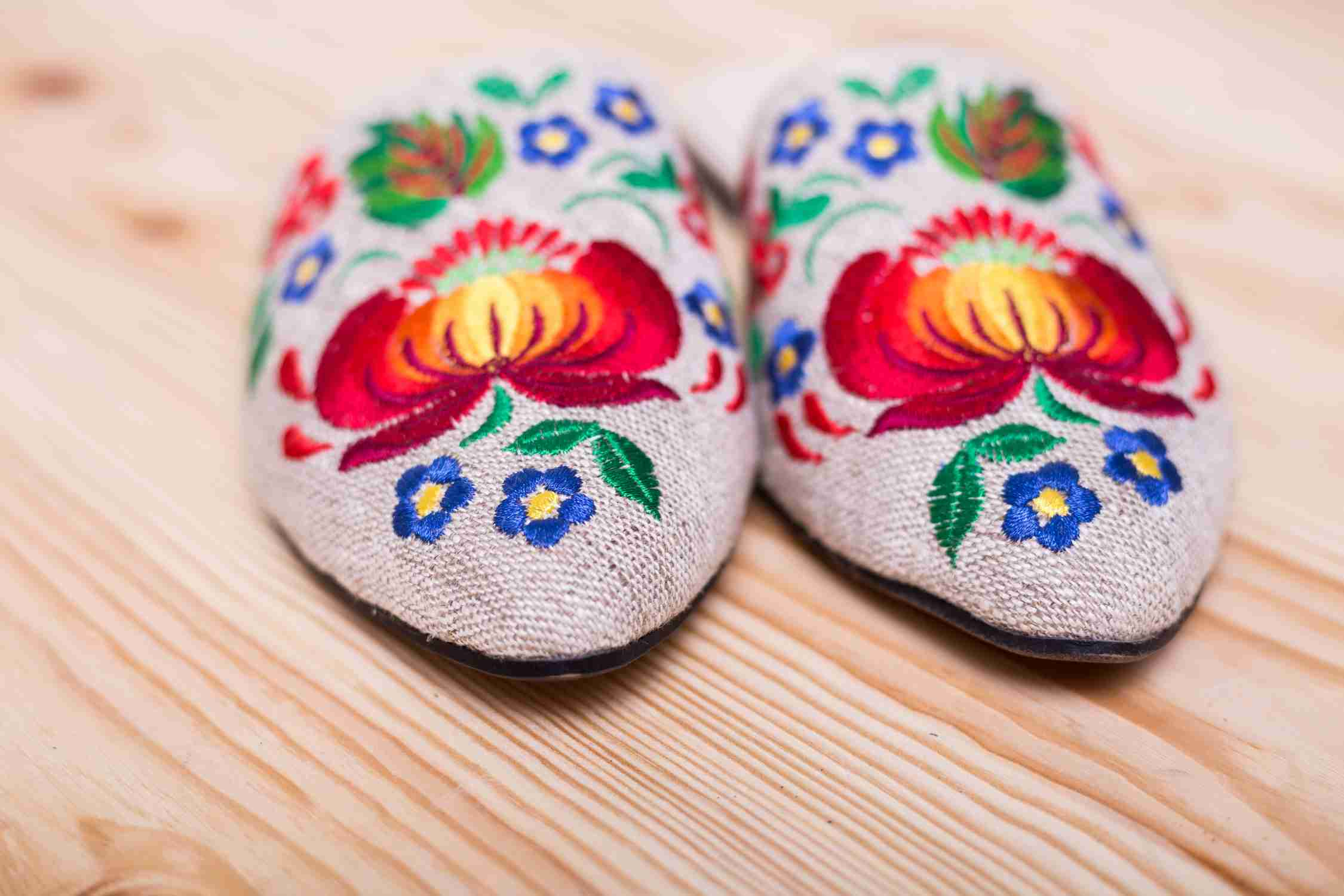 womens shoes with embroidery