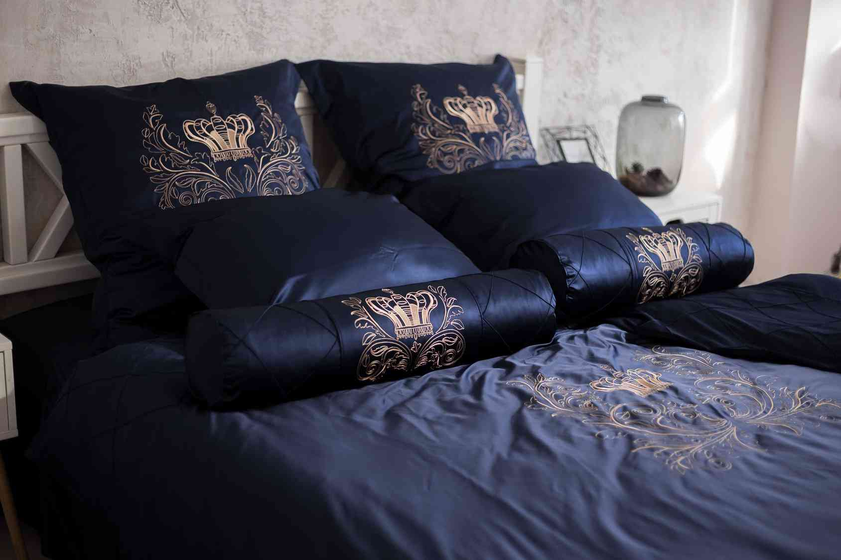 вышитое постельное белье