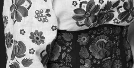 Петриковская вышивка, роспись