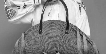 Платье с национальной вышивкой. Вышивка крестиком